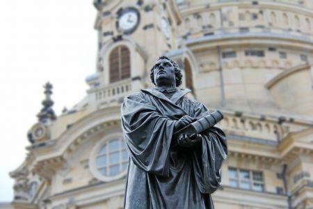 Luther vor der Frauenkirche